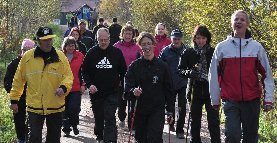 Kävelylenkki Vihannissa Sari Essayah´n johdolla 29.9.2012